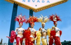 Showgirls_Las_Vegas_-� 2009 Nevada Tourism