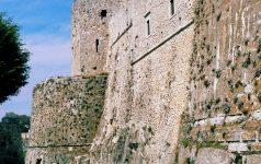 Apulien_Castello Monte S. Angelo_© Italienische Zentrale für Tourismus