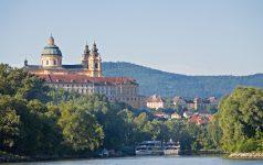 Kloster Melk mit Donau
